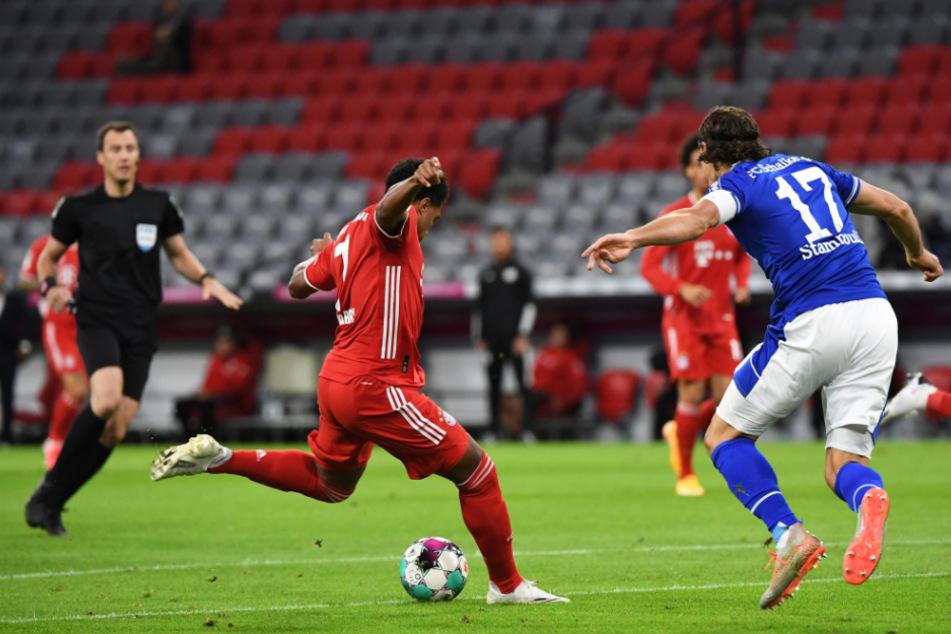 Serge Gnabry beim Abschluss, der den FC Bayern 1:0 in Führung brachte.