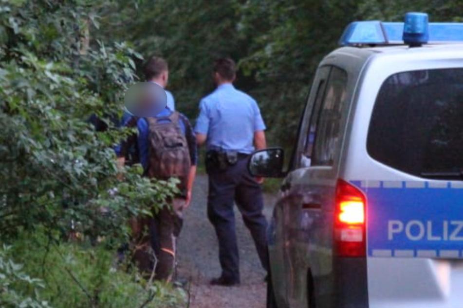 Mehrere Personen in Tatortnähe wurden kontrolliert, ein Zusammenhang wurde aber nicht festgestellt.