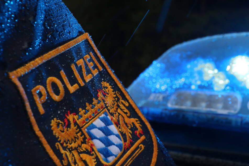 Ein Polizist aus Bayern wurde wegen seiner Aussagen auf Corona-Demos suspendiert. (Symbolbild)