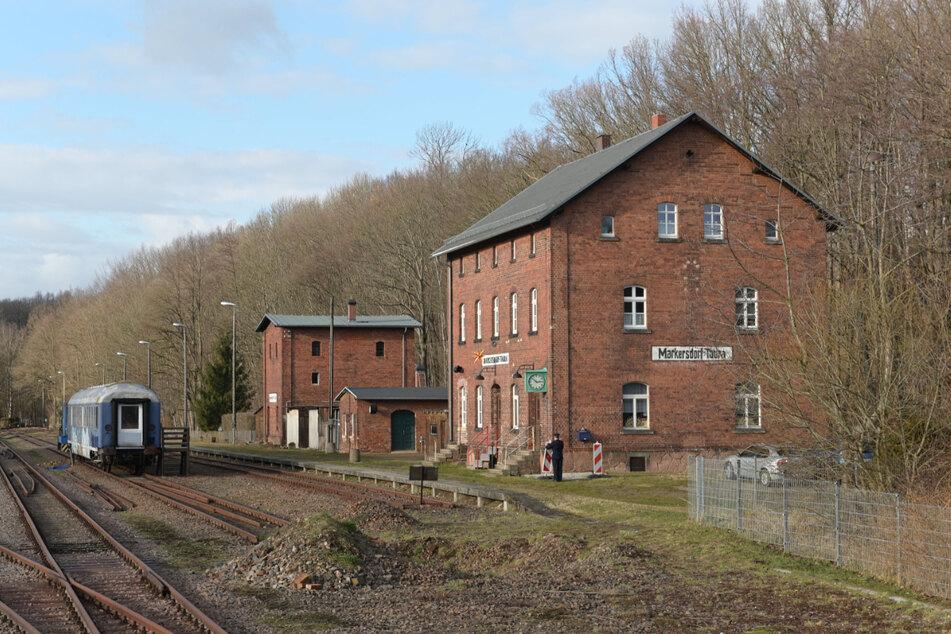 Die Eisenbahnfreunde wollen den Museumsbahnhof Markersdorf-Taura wieder herrichten.