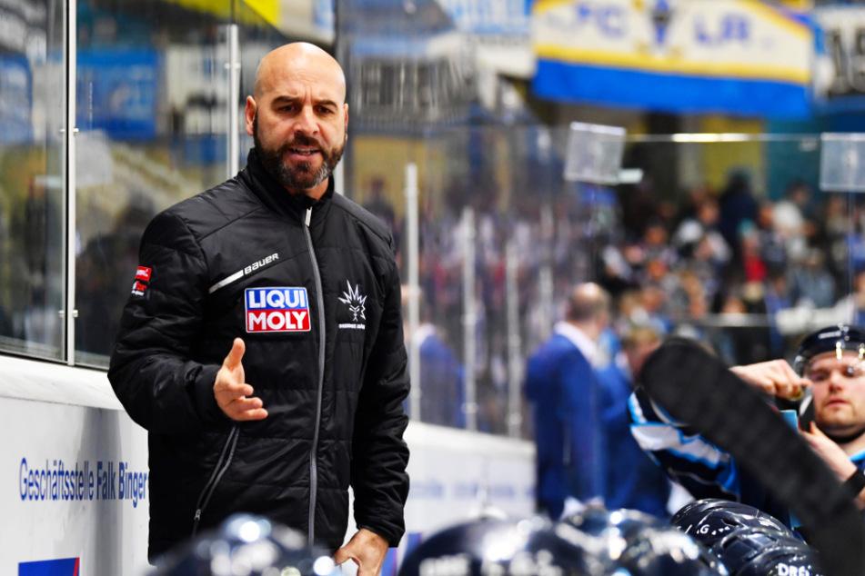 Die Eislöwen werden sich wohl noch gedulden müssen, bis sie wissen, mit welchen Spielern Coach Rico Rossi die neue Saison angehen wird.
