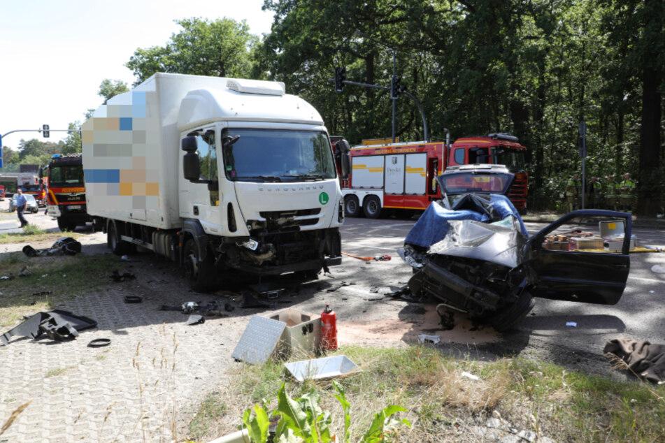 Die Beifahrerin im VW überlebte den Unfall nicht.