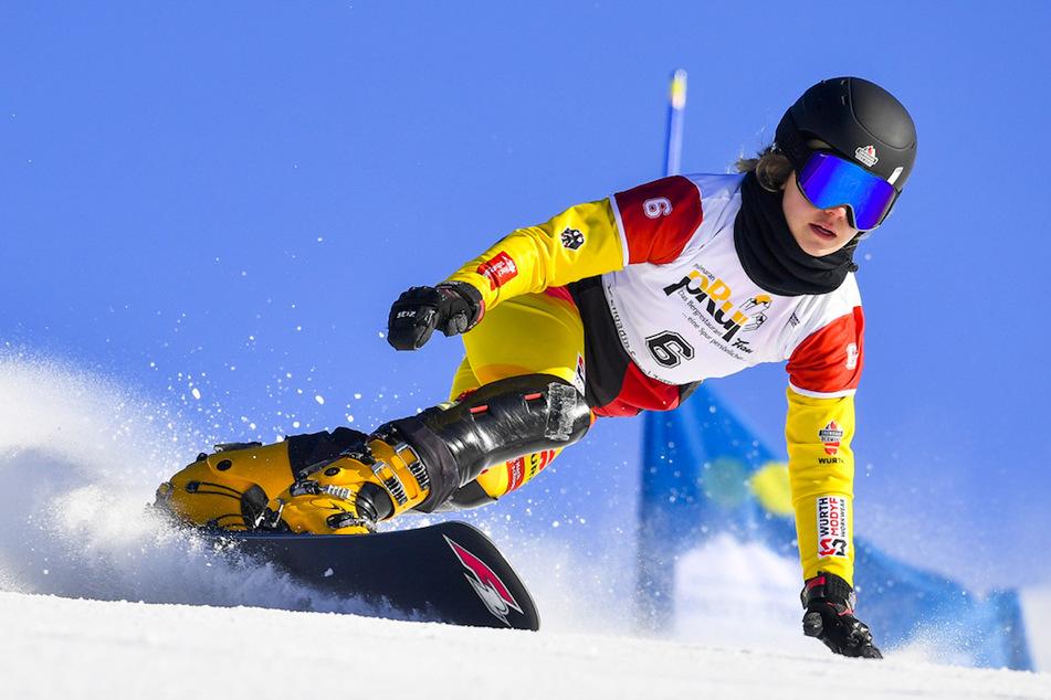 Snowboarderinnen Carolin Langenhorst (24) aus Deutschland in Aktion.