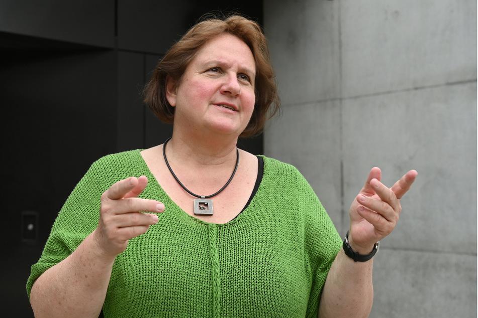 """Baden-Württembergs Bildungsministerin Theresa Schopper (60, Grüne) sei aus Sicht der GEW-Chefin Monika Stein ein """"sehr empathischer Mensch"""", der auf Dialog setze."""