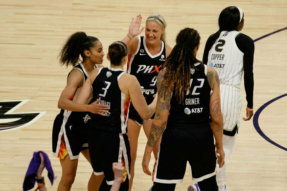 After two games at home with the Sky, the Mercury now have to win two games on the road to clinch the 2021 WNBA title.