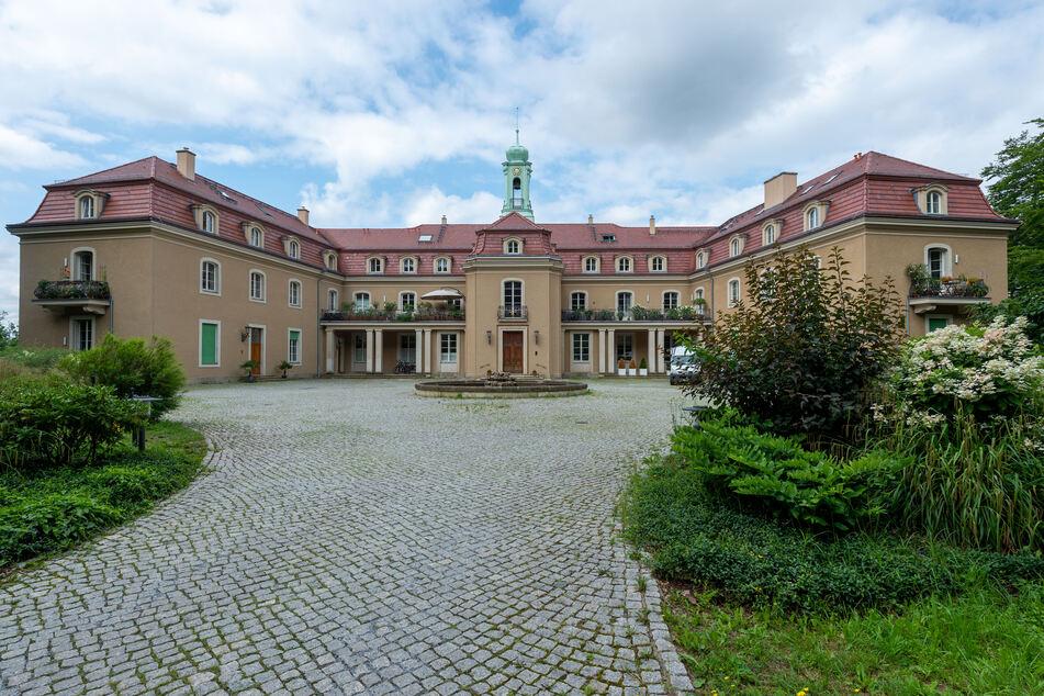 Heute befinden sich Wohnungen in dem Schloss.