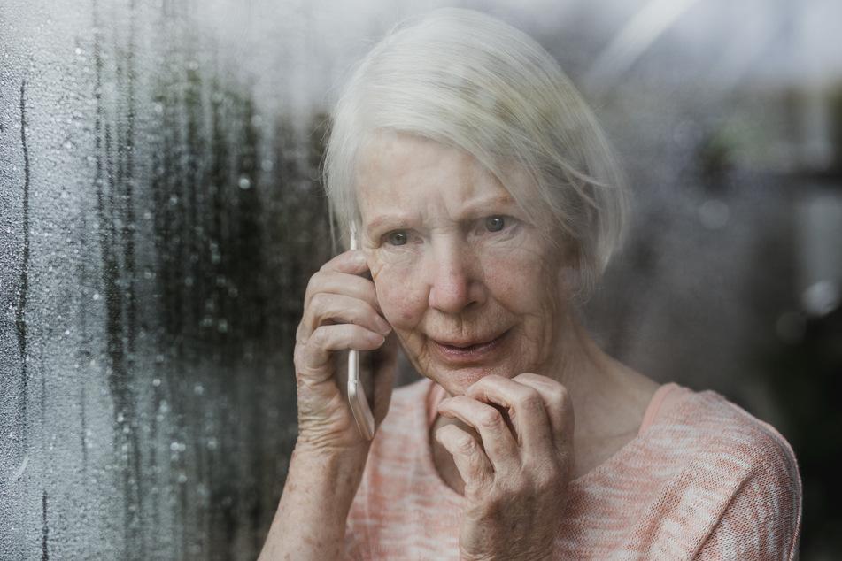 Sie traten vor allem in letzter Zeit wieder häufiger auf: Die Fälle von Trickbetrug gegenüber Senioren haben in der Corona-Pandemie zugenommen. (Symbolbild)