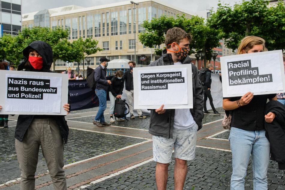 Rassistische Polizeikontrollen sollen europaweit verboten werden