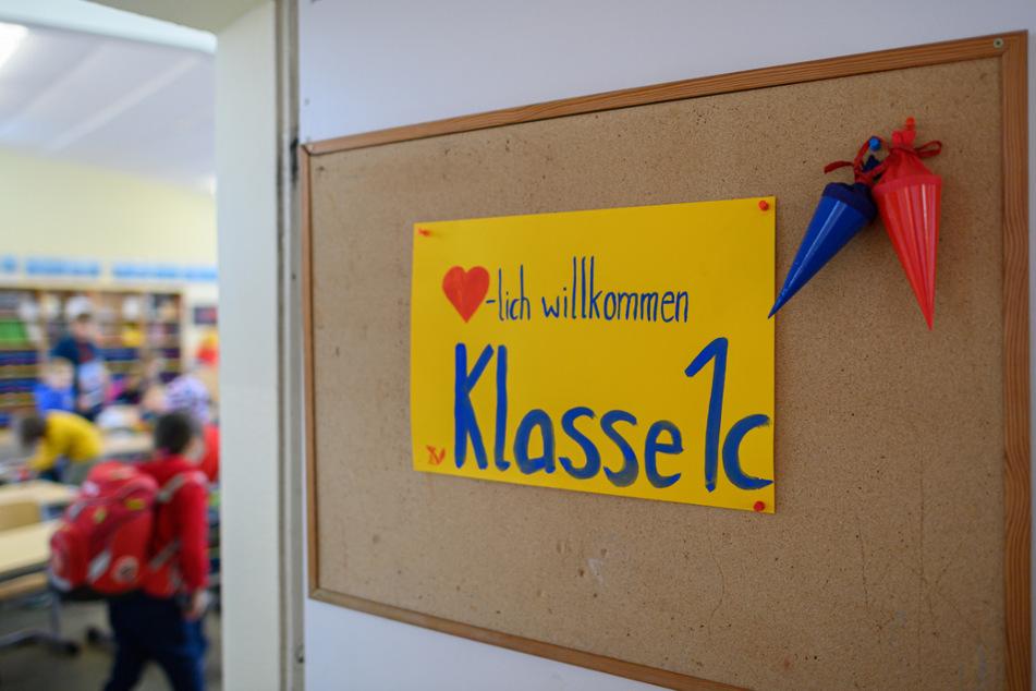 Trotz Lockdown und einer angespannten Infektionslage öffnen am heutigen Montag in vielen Thüringer Landkreisen Grundschulen und Kitas. (Symbolbild)