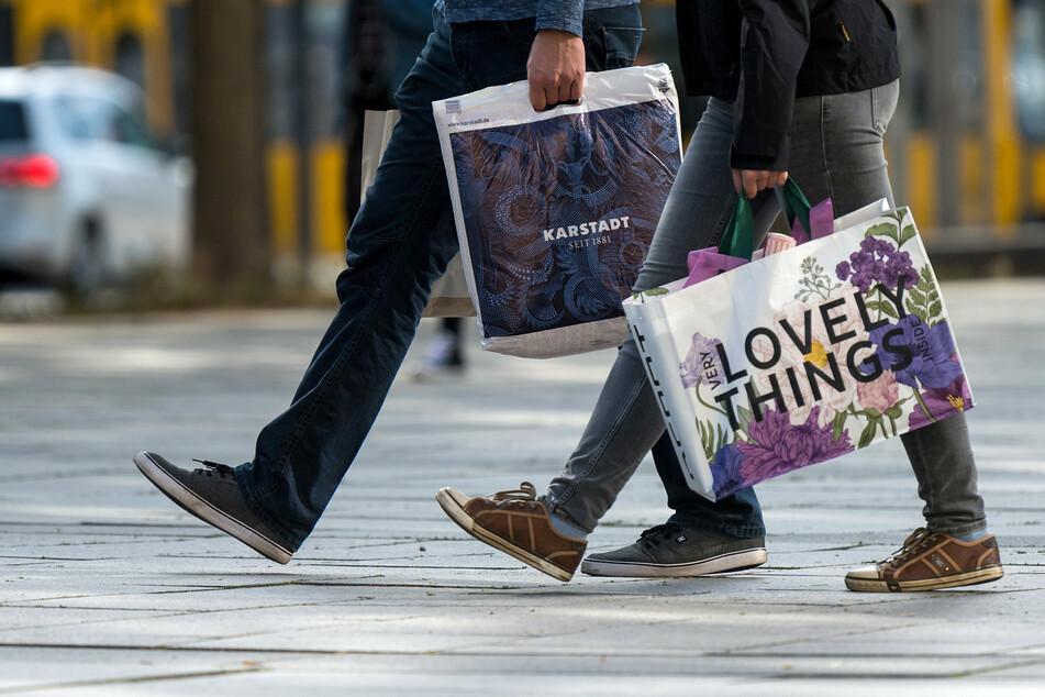 Sachsens Industrie- und Handelskammern (IHKs) fordern eine Öffnung des Einzelhandels. Spätestens ab dem 15. März sollen die Sachsen wieder shoppen können - so die Forderung.