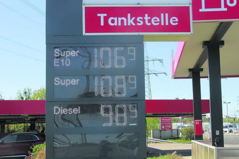 Auch die Kaufland-Tankstelle in Dresden-Nicken lockte mit niedrigen Preisen. Super für 1,09 Euro.