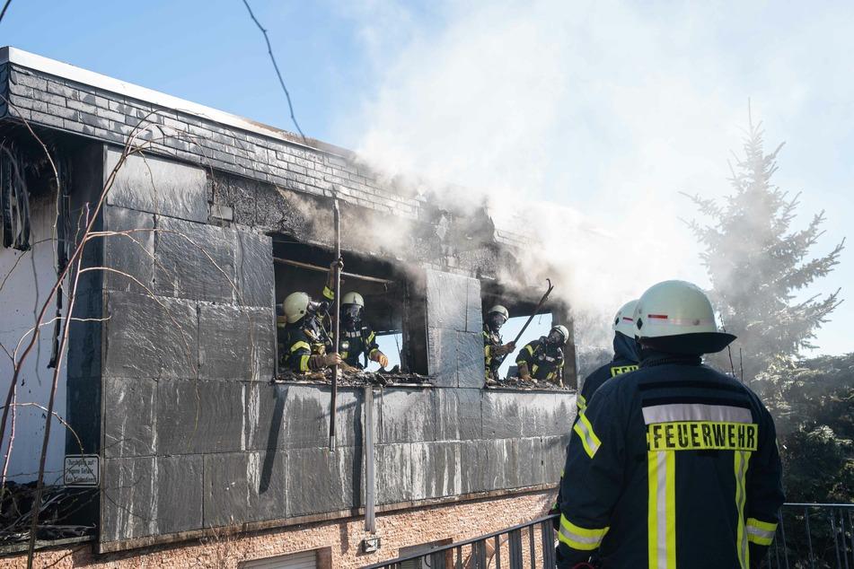 Beim Eintreffen der Feuerwehr brannte das Wohnhaus bereits in voller Ausdehnung.