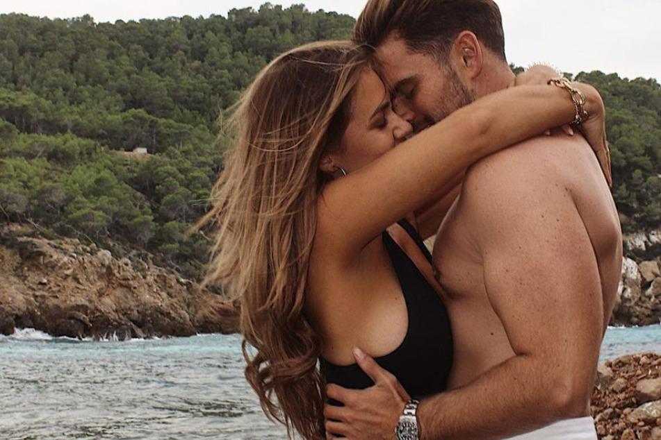 Jessica und Johannes Haller (32) machten ihre Liebe im Fernsehen öffentlich.