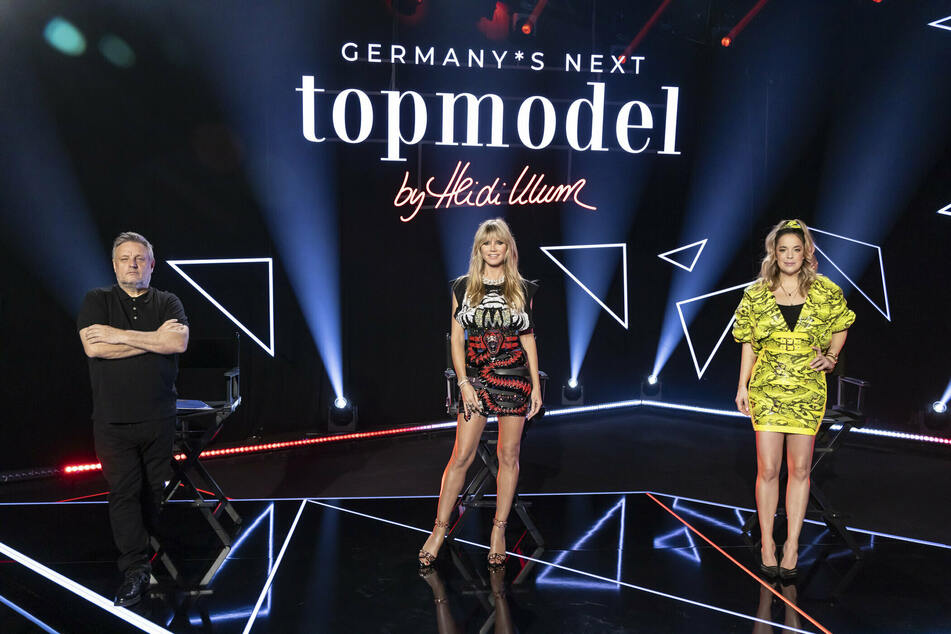 Rankin (54, l.), Heidi Klum (47, M.) und Designerin Marina Hoermanseder (35).