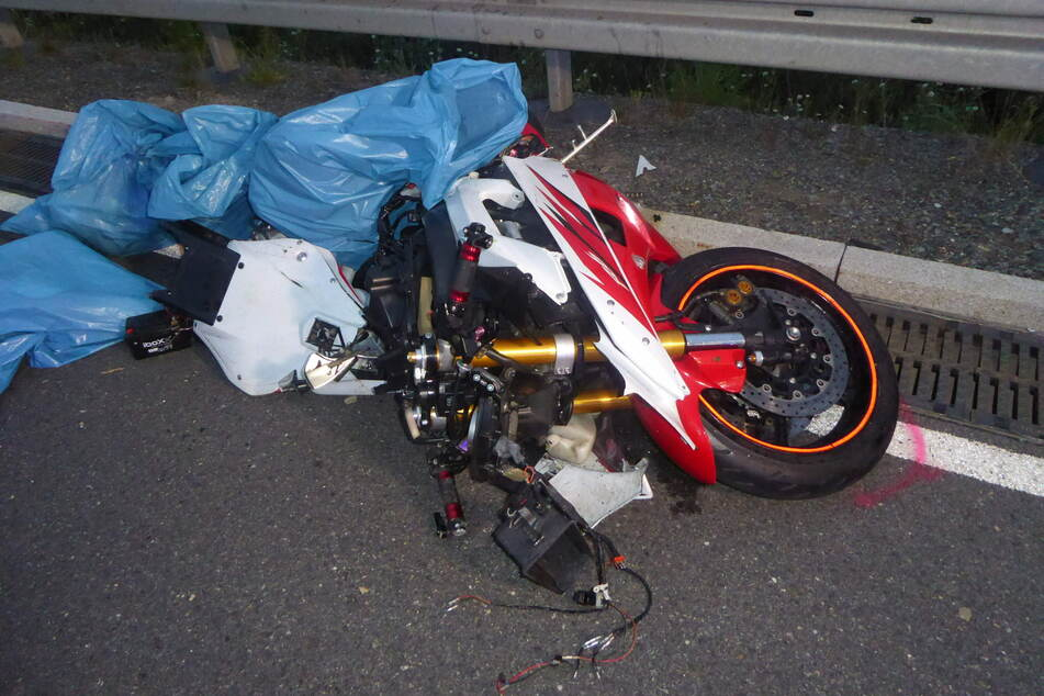 Tödlicher Unfall bei Fraureuth: Am Dienstag ist ein Motorradfahrer (34) auf der S289 verunglückt. Der Mann verstarb noch an der Unfallstelle.