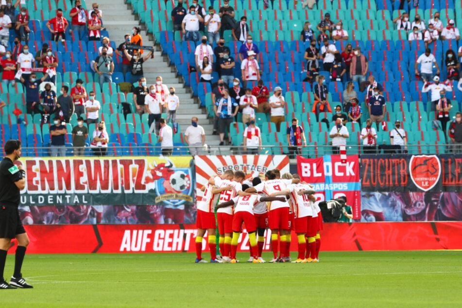 Endlich wieder Zuschauer im Leipziger Stadion! 8500 Fans verfolgten den klaren Heimsieg von RB gegen Mainz.