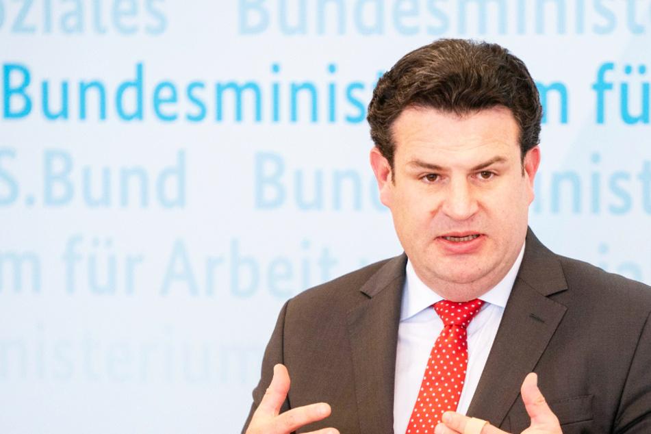 """Arbeitsminister Heil wird deutlich: """"Halte Spiele mit Masken nicht für vorstellbar""""!"""