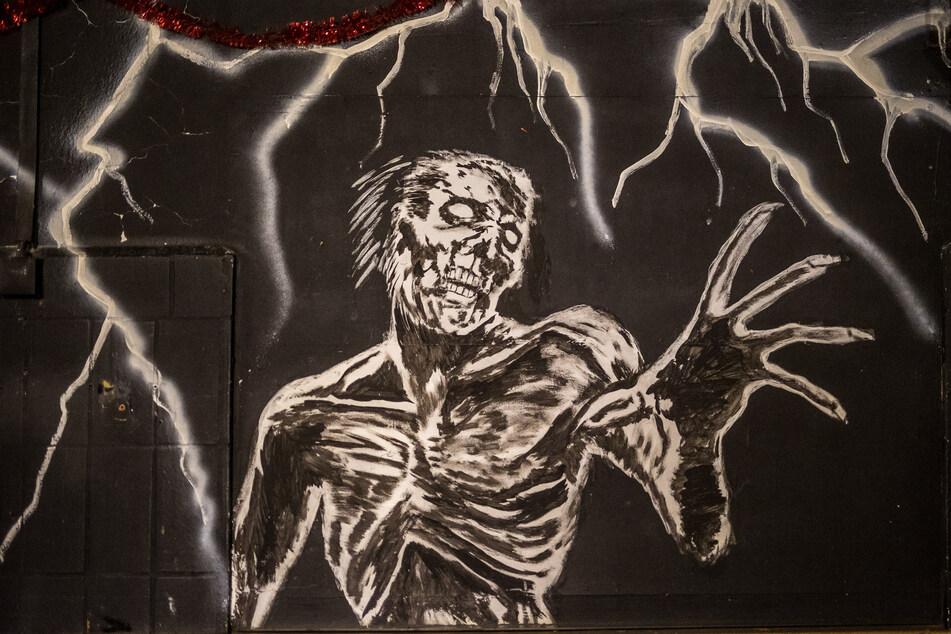 """Greift hier etwa der Tod nach der Club-Szene? Die Wandbemalung im """"Hellraiser"""" könnte angesichts der aktuellen Lage der Veranstaltungsbranche eine böse Vorahnung sein."""