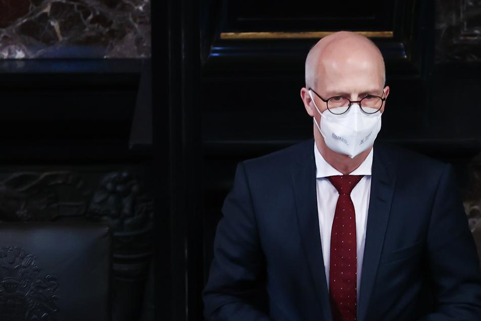 Peter Tschentscher (55, SPD) ist sauer über den neuen Impfstoffengpass.