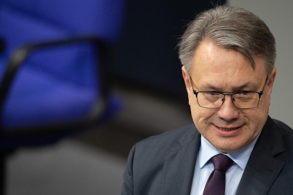 Korruptions-Ermittlungen: CSU-Abgeordneter Georg Nüßlein lässt Amt ruhen