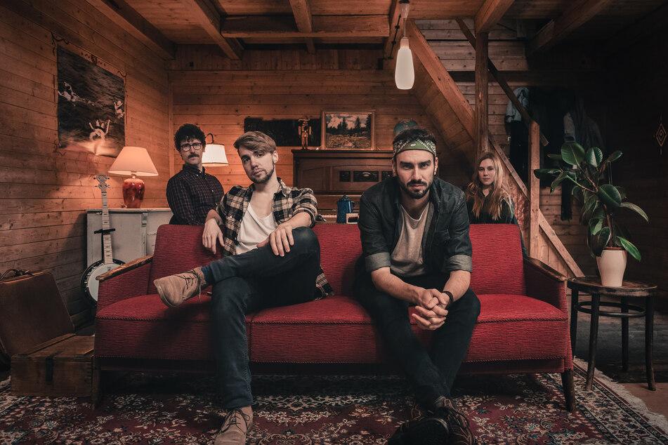 """Die Indie-Folk-Band """"Jante"""" um Sebastian Rettig (33, v.l.), Tim Bergelt (28), Jan Thierfelder (30) und Margot Cichy (32) hat eine neue Single am Start."""