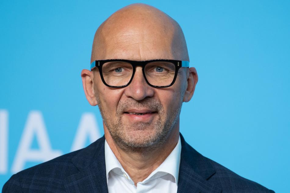 Die IAA ist nach München umgezogen, Messe-Chef Klaus Dittrich will vor der Verkehrsmesse deren Kritikerinnen und Kritiker umstimmen.
