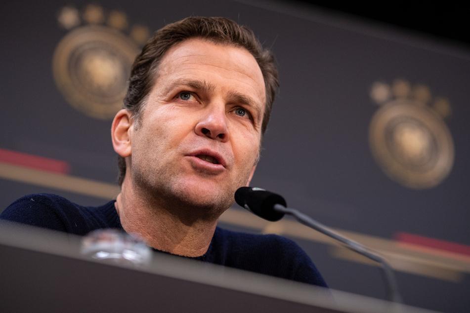 Für seine mögliche Gleichgültigkeit gegenüber ostdeutschen Vereinen wurde DFB-Direktor Oliver Bierhoff (52) von Hamann gerügt.