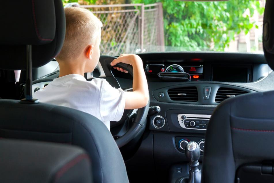Junge (10) will Auto der Eltern umparken und begeht verhängnisvollen Fehler