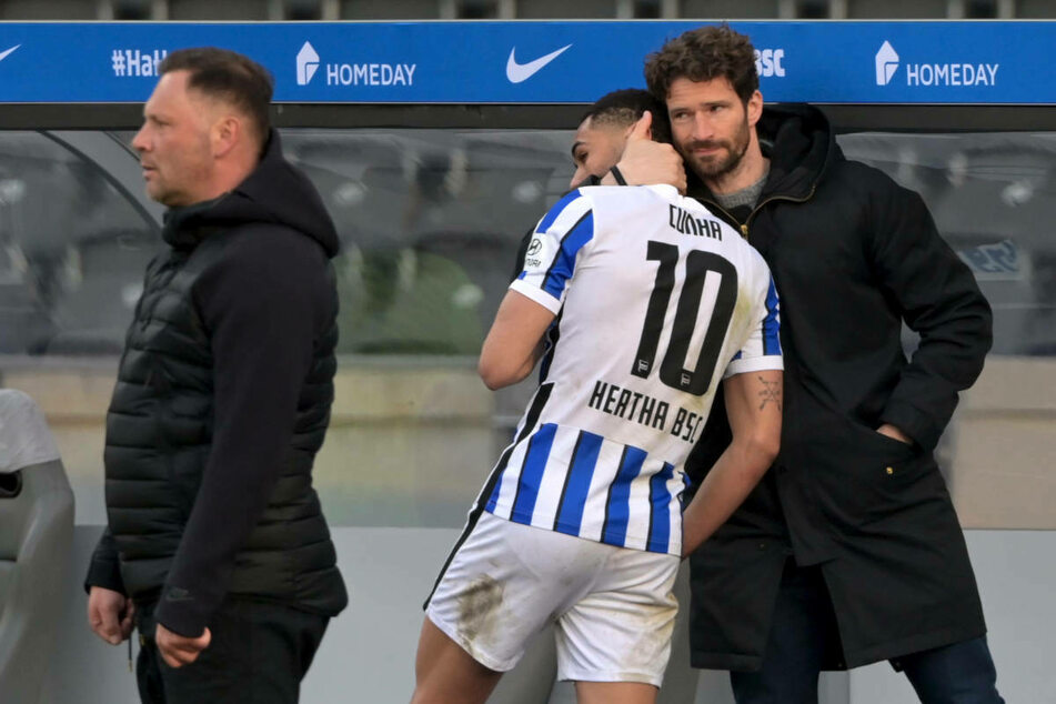 Mit Hertha-Coach Pal Dardai (45, l.) und Sportdirektor Arne Friedrich (41, r.) hat Fredi Bobic einst gemeinsam für die Alte Dame gekickt.