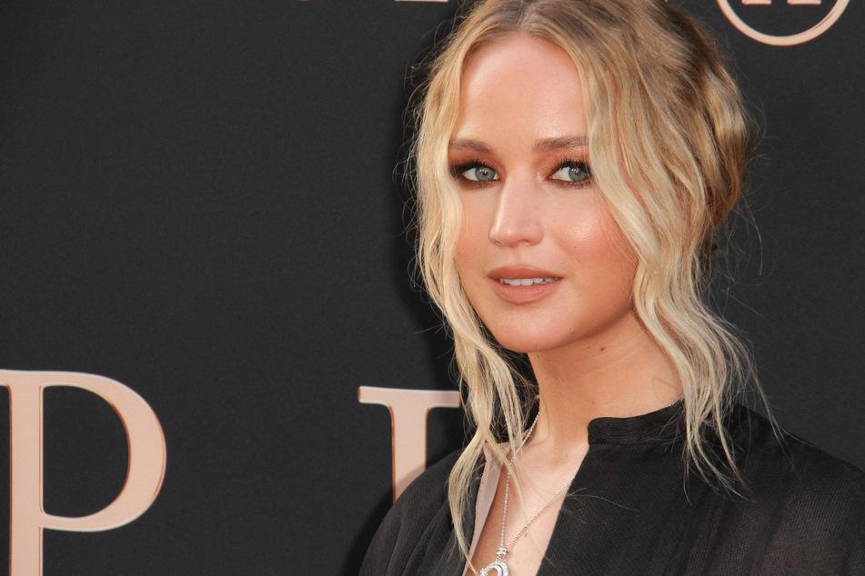 Jennifer Lawrence injures her eye in on-set explosion