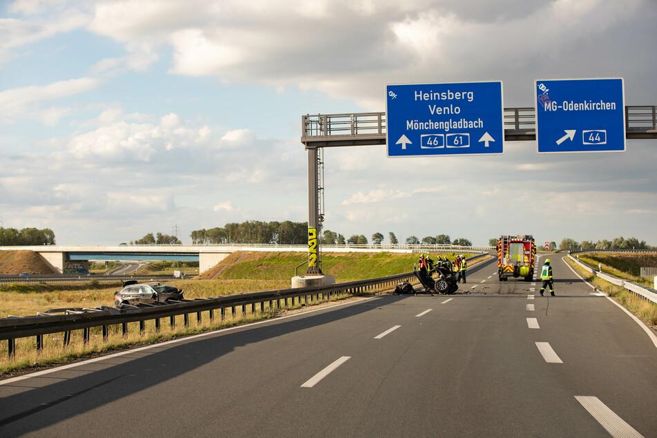 Der schwere Unfall ereignete sich auf der A44 bei Jüchen.