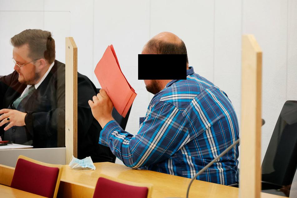 Auf dem Rechner von Heiko G. (36) fand die Polizei etliche Dateien mit Abbildungen von schwerem sexuellem Missbrauch von Kindern.