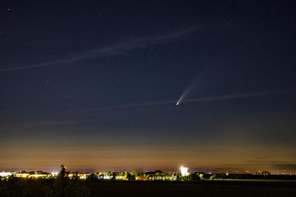 In der Nacht zum Sonntag war der Komet gut über der Messestadt zu erkennen.