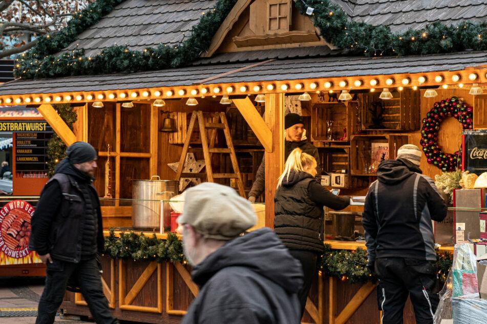 Statt Weihnachtsmarkt: Hier gibt es in Berlin Glühwein zum Mitnehmen an Weihnachtsbuden