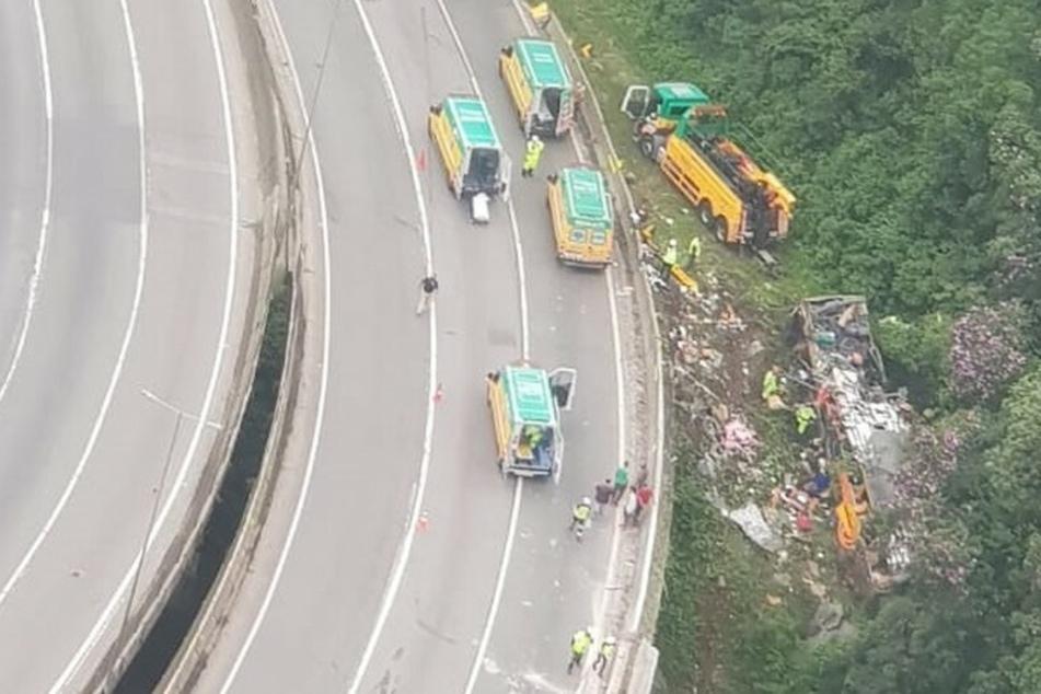 Bei dem Busunglück sind mindestens 19 Menschen ums Leben gekommen.