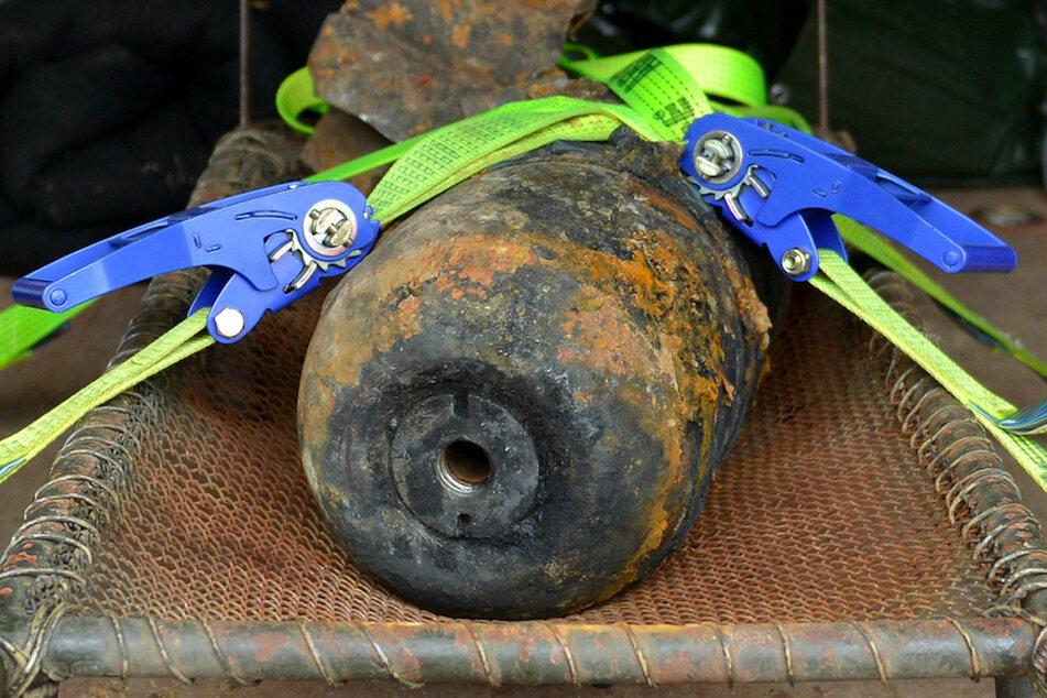 Drei 50-Kilo-Bomben in Hof gefunden: Evakuierung von Seniorenheim und Schulen