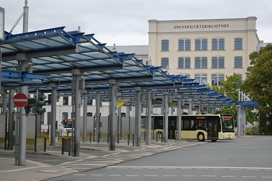 Im Zuge der Umverlegung des Omnibusbahnhofs will die Stadt Querungsmöglichkeiten für die Georgstraße prüfen.