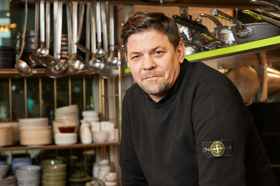 """TV-Koch Tim Mälzer (50, """"Kitchen Impossible"""") will ein kleines Café in Hamburg-Eppendorf eröffnen."""
