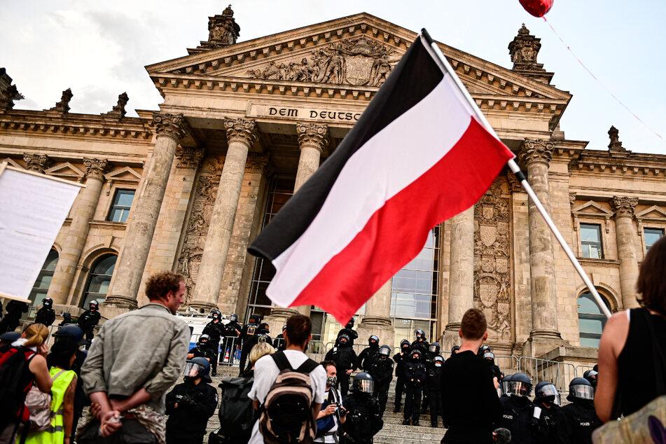 """""""Ersatzsymbol des Hakenkreuzes"""": SPD will Reichsflaggen verbieten"""