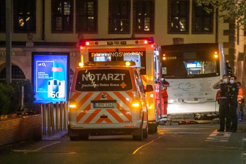 Im Leipziger Zentrum ist am Dienstag ein Radfahrer mit einem Bus kollidiert.