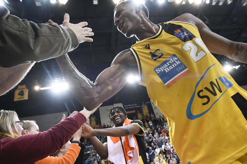 Die MHP Riesen Ludwigsburg müssen zum Auftakt des Meisterturniers der Basketball-Bundeslige ohne Jaleen Smith auskommen.