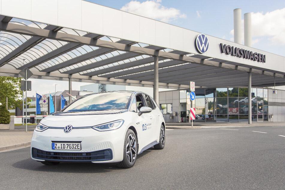 Verbrauchsangaben: Volkswagen ID.3 – Stromverbrauch in kWh/100 km (NEFZ): 15,4-14,5 (kombiniert), CO2-Emission in g/km: 0; Effizienzklasse: A+