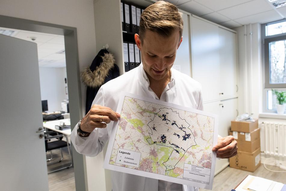 Gegen den Virologen Hendrik Streeck war eine Strafanzeige eingegangen (Archivbild).