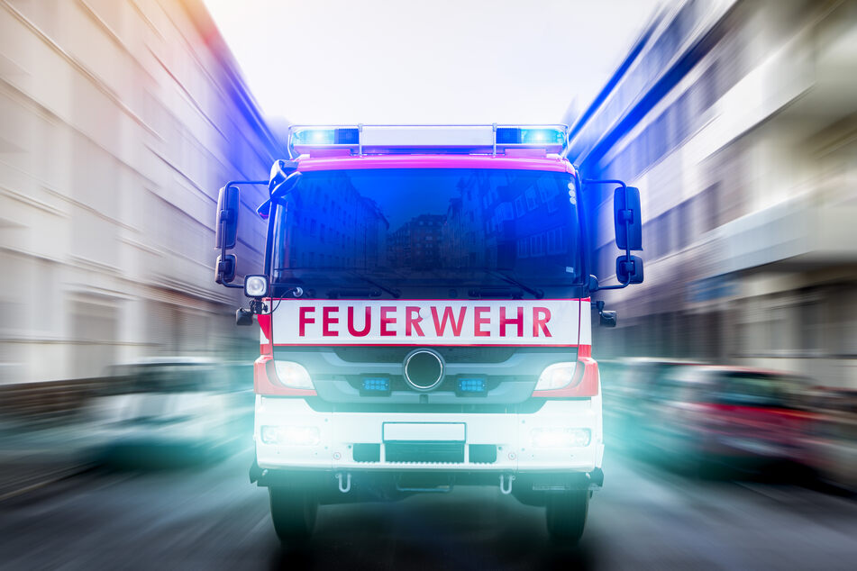 Die Kölner Feuerwehr rückte am Samstagmorgen zu einem Einsatz in Köln-Flittard aus (Symbolbild).