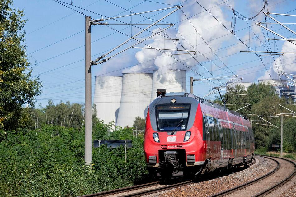 Mehr Zug von Berlin über Cottbus und Weißwasser nach Görlitz: Die Strecke soll mit einer Milliarde Euro aus Strukturmitteln elektrifiziert werden.