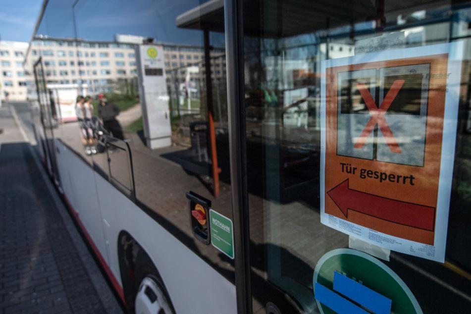 Stuttgart: Fahrradfahrerin wird überrollt und stirbt: Busfahrer fährt einfach weiter