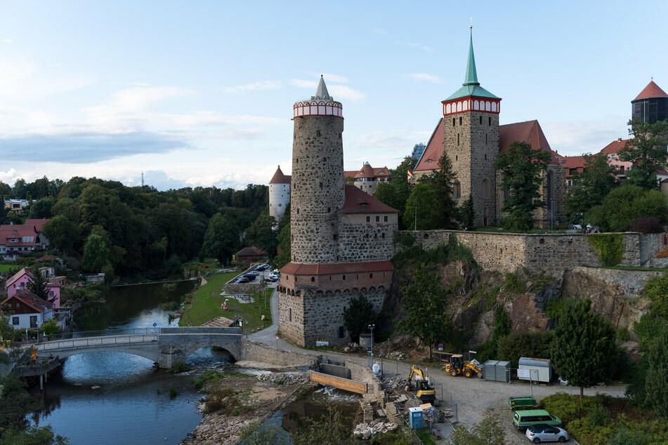 Ein Blick auf die Altstadt von Bautzen mit der Alten Wasserkunst, dem Mühltor und der Michaeliskirche.