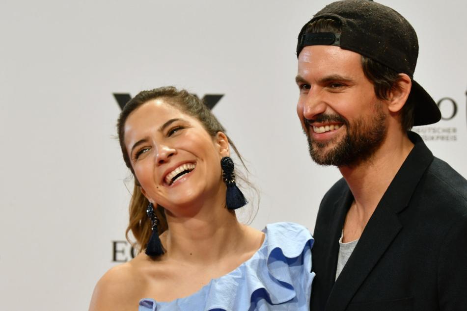 Tom Beck (r.) mit seiner Ehefrau Chryssanthi Kavazi bei der Echo-Verleihung.