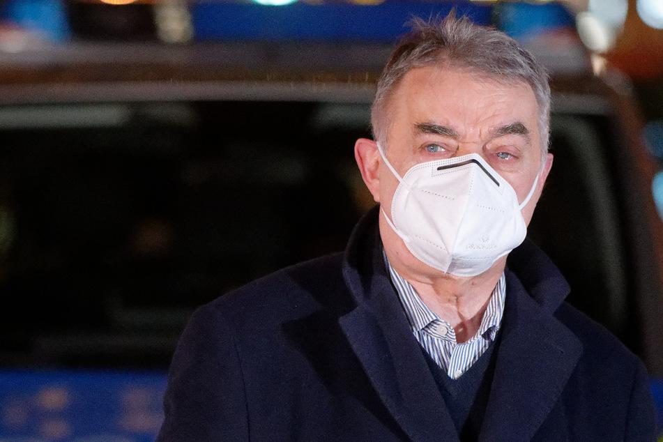 Kontakt mit infiziertem NRW-Minister Reul: Nächster Politiker muss in Quarantäne