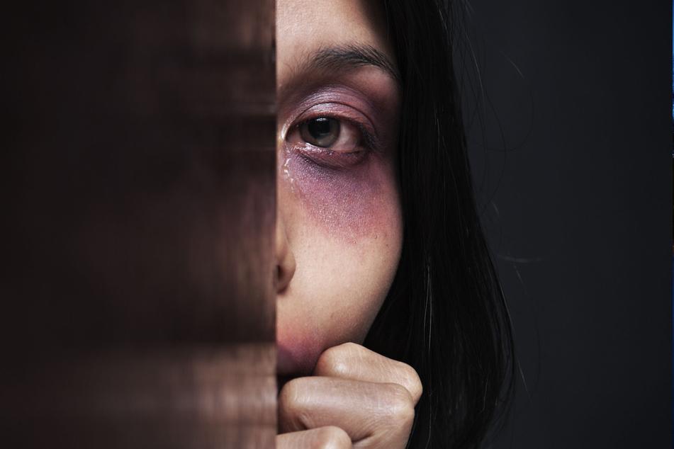 Frauen leiden am meisten unter häuslicher Gewalt. (Symbolbild)